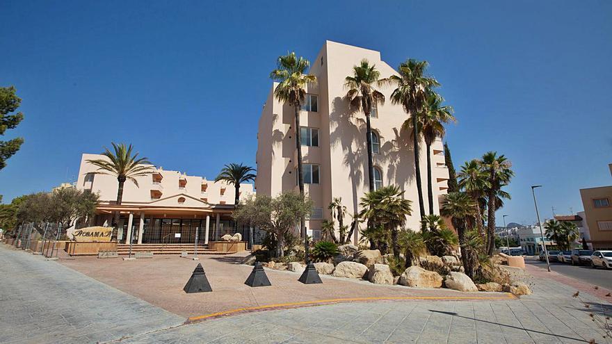 Los dos hoteles puente de covid de Ibiza cuestan casi 13.000 euros diarios