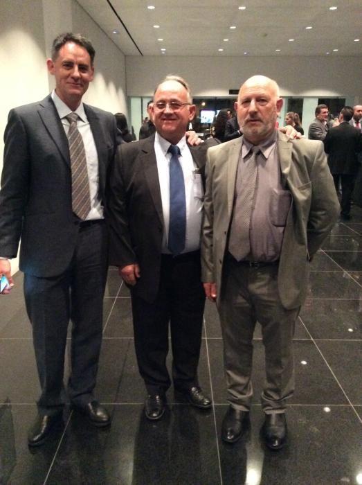 Juan Carlos Pérez Gil; Ramón Silvestre, gerente de Seguridad Neptuno y Amancio Guerrero, jefe de Bomberos del parque de Elda y Villena.