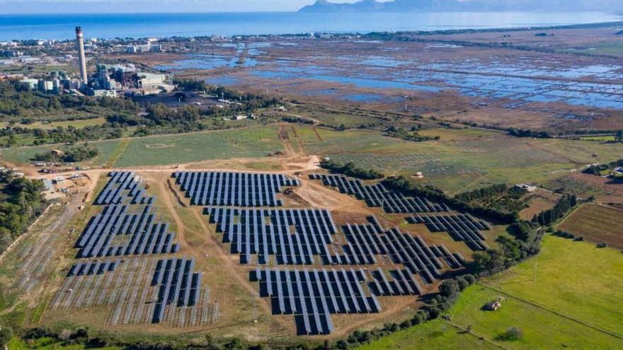Neuer Solarpark am Kohlekraftwerk nimmt Gestalt an