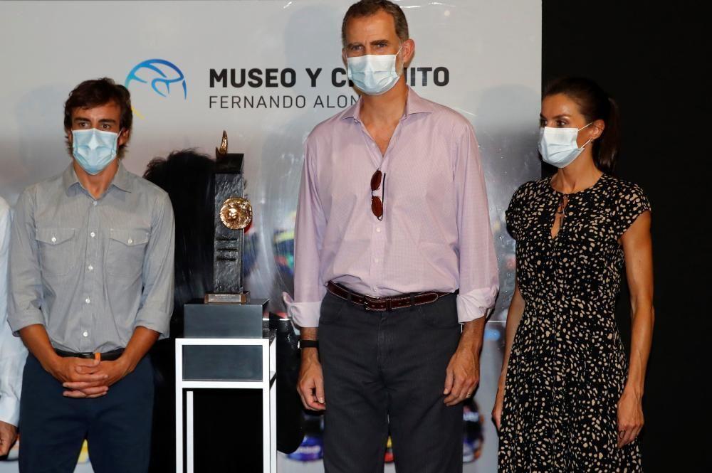 Los Reyes de España visitan el museo de Fernando A