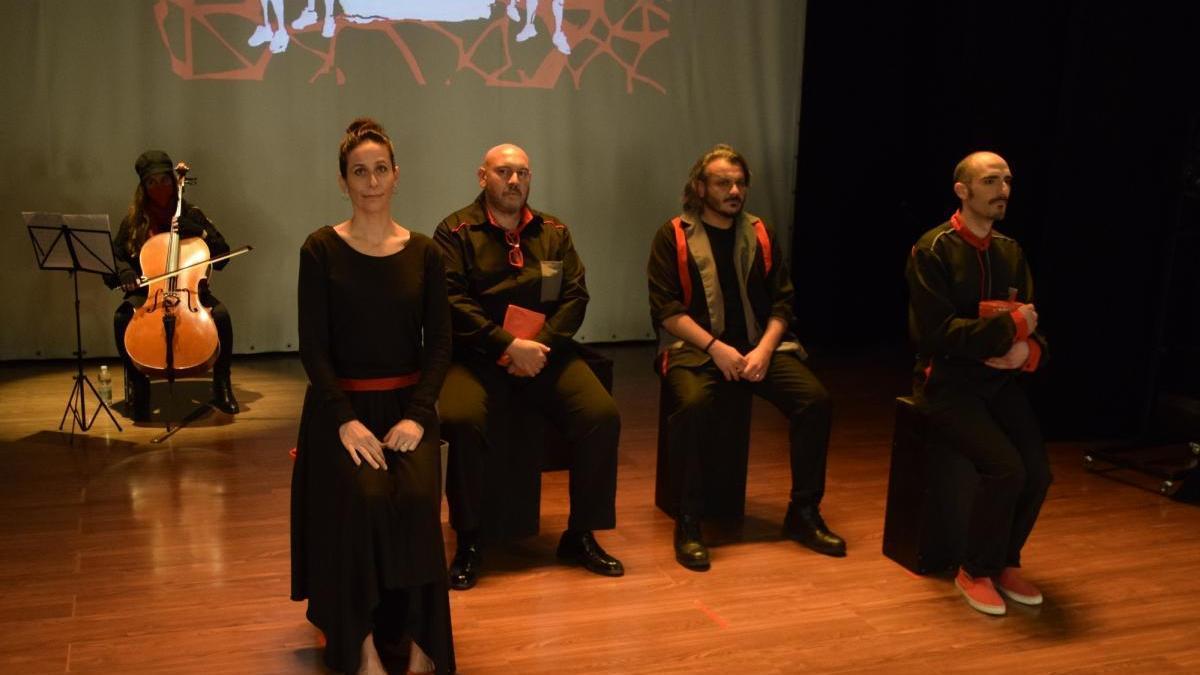 Zerocontres representa la obra 'Europa' en el Teatro Avanti