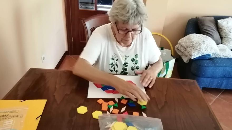 La pandemia dispara las terapias en el propio domicilio a personas con alzhéimer