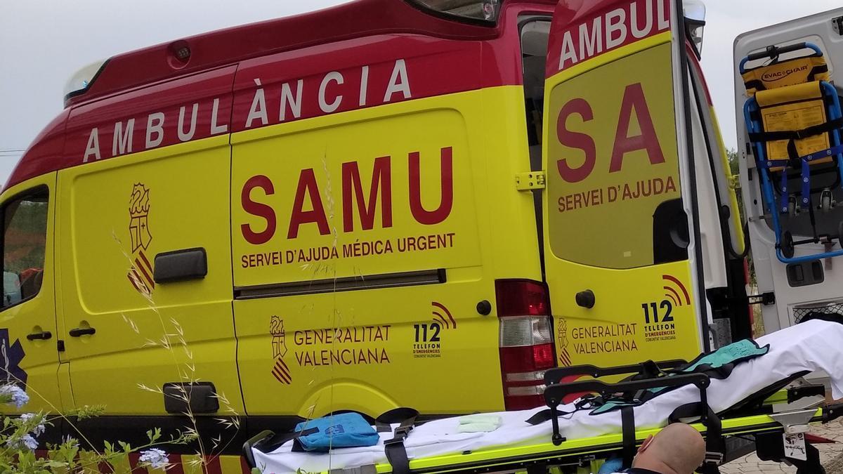 El equipo médico del SAMU ha llegado rápidamente a la urbanización