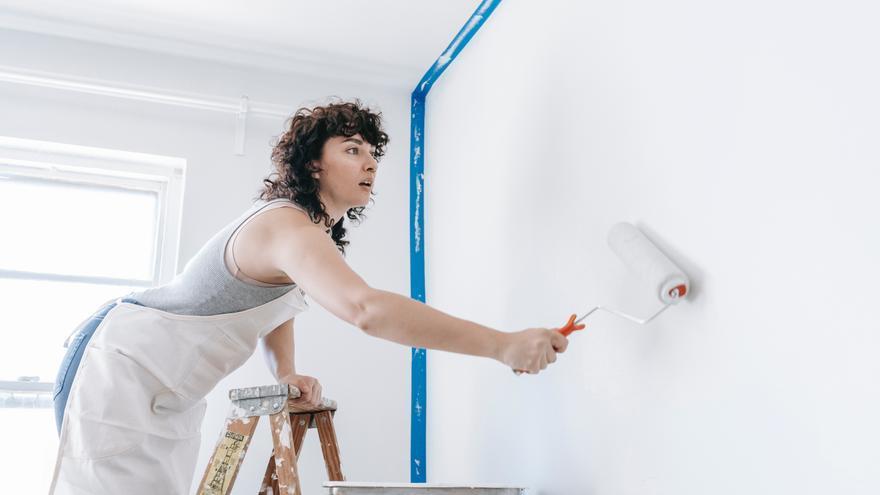 El truco con lejía para dejar las paredes blancas sin tener que pintar