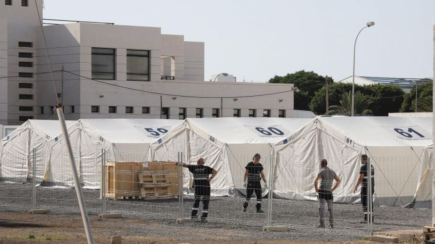 La Autoridad Portuaria admite que carece del permiso del Estado para ceder el solar destinado al nuevo centro de migrantes