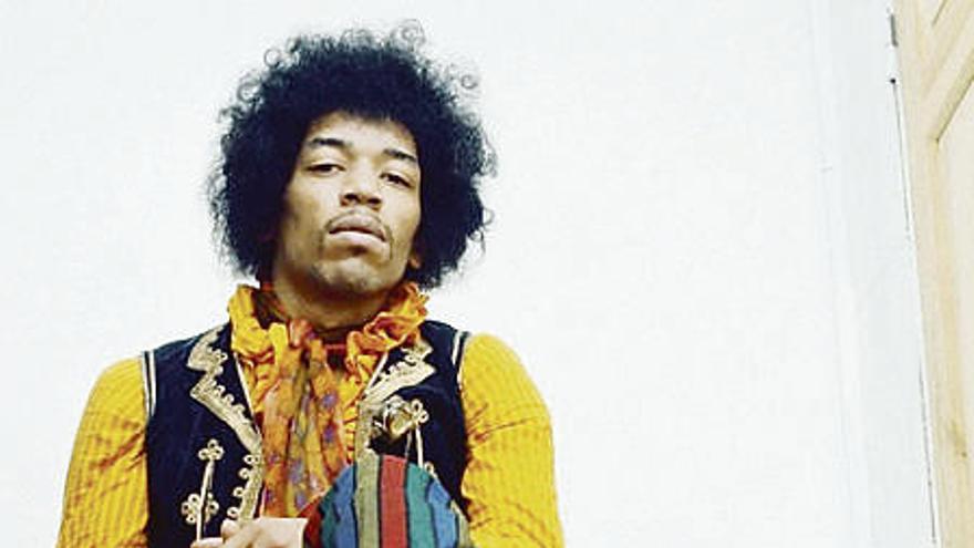 Subastan una nota de Jimi Hendrix a una mujer en 1967