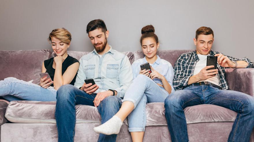 El 'phubbing' o cómo el móvil afecta a nuestras relaciones sociales