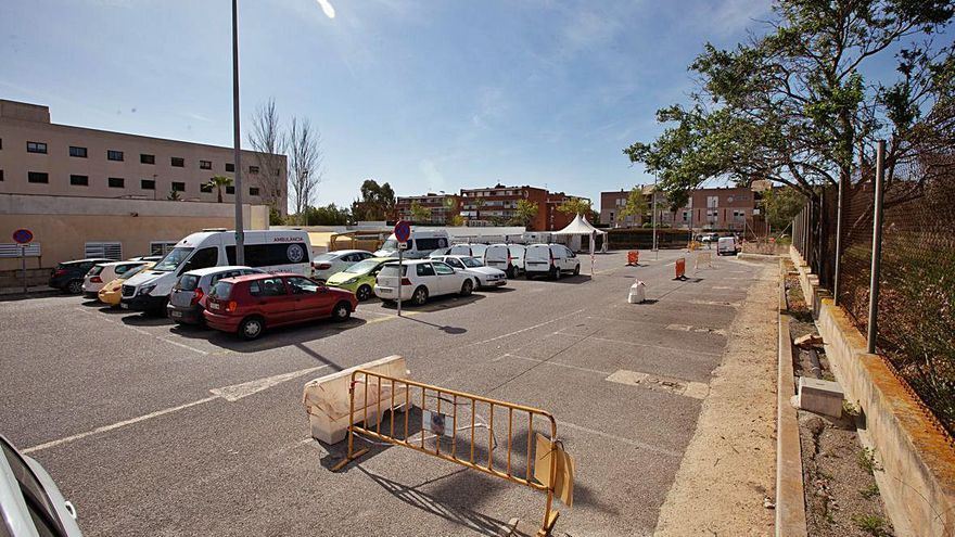 El aparcamiento de Can Misses, atestado