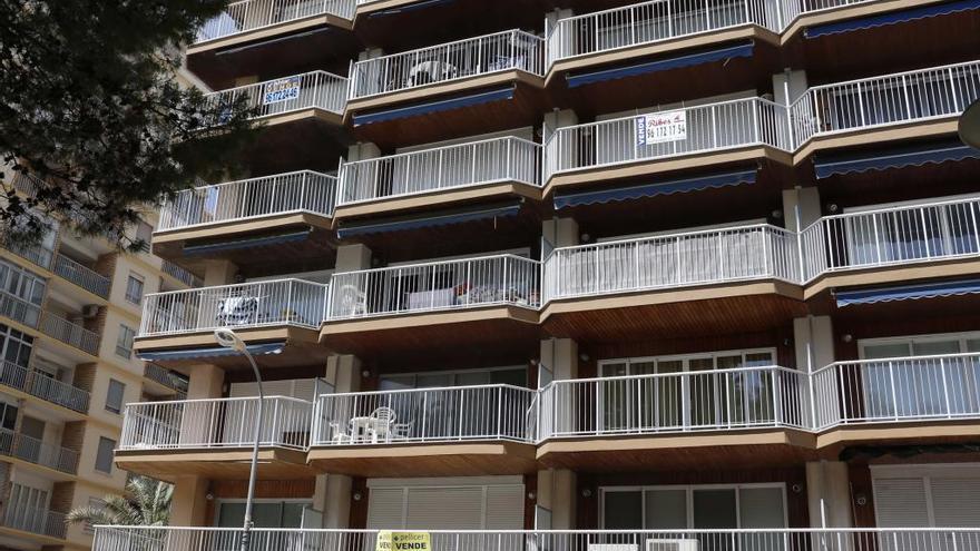 El precio de la vivienda usada cae un 51 % en Carcaixent y un 46 % en Alzira en diez años