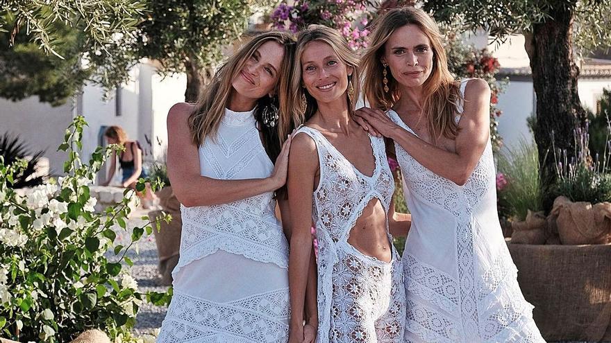 Adlib celebra medio siglo sobre la pasarela de Eivissa con las 'top models' de los 90