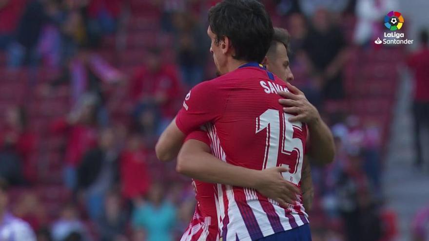 Un gol en propia puerta da el triunfo a un Atlético sin brillo