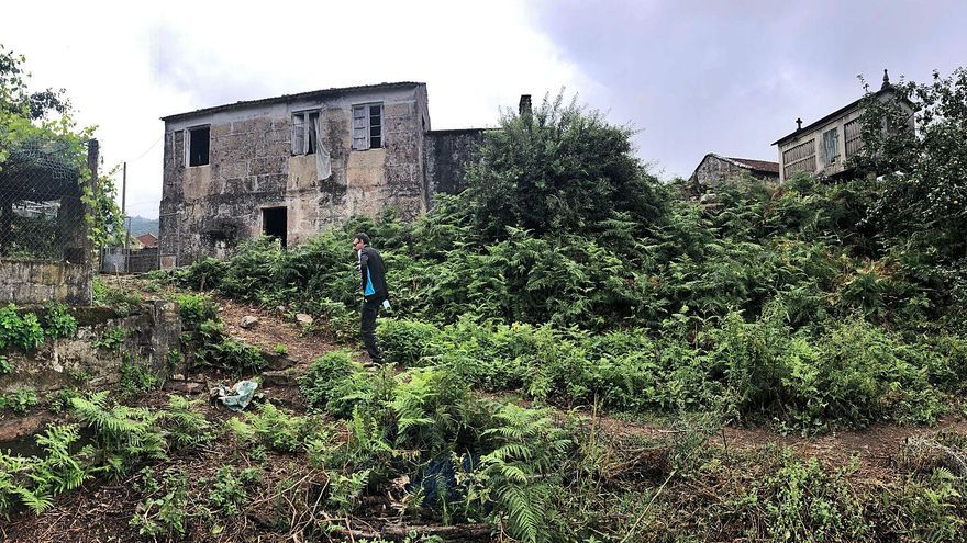 Los comuneros de Coiro compran una casa labriega para convertirla en local social y aula de naturaleza