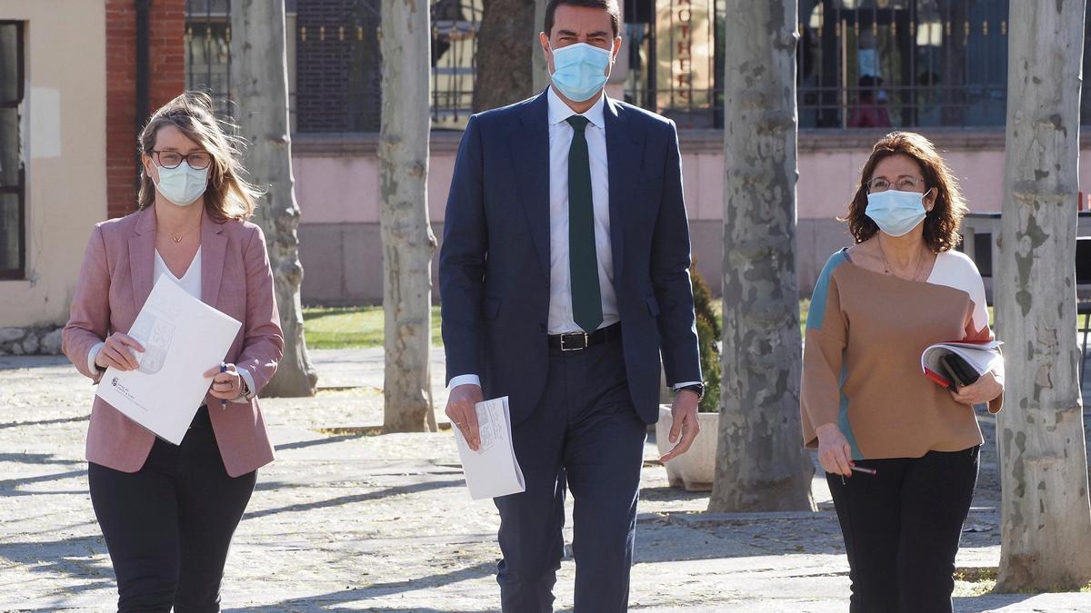 Ángel Ibáñez, minutos antes de la rueda de prensa donde presentó el proyecto del teletrabajo en la Administración regional.