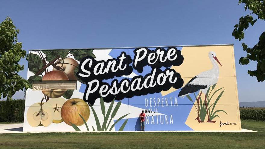 Sant Pere Pescador decora les parets del magatzem de la brigada