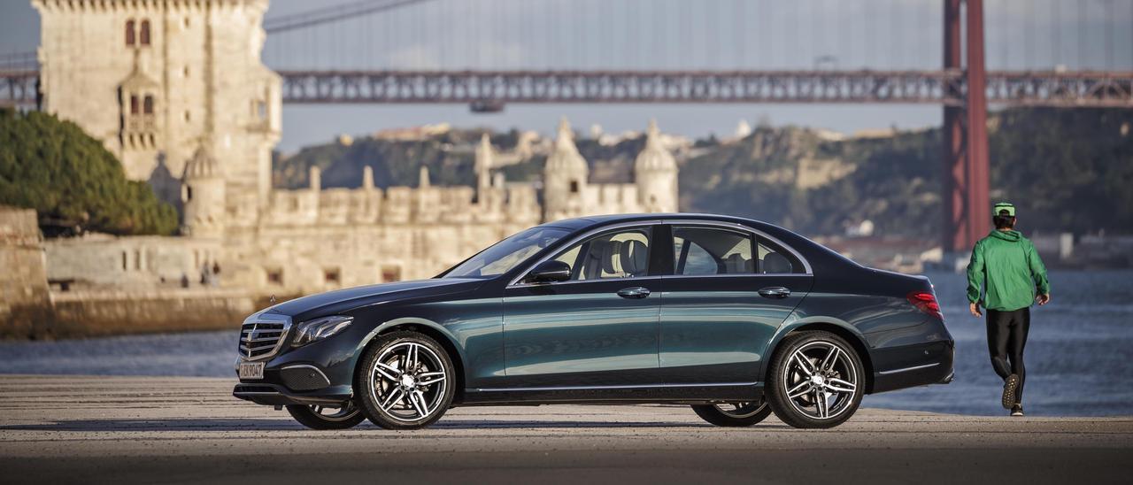 Un modelo de Mercedes Bez.