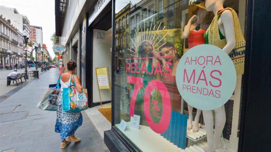 Las ventas del comercio minorista en Canarias suben un 0,2% en junio