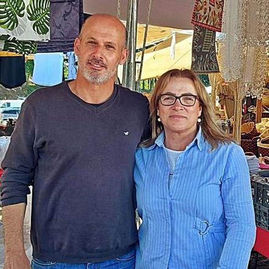 Alfredo y Albina, feriantes en Valença. | D.P.