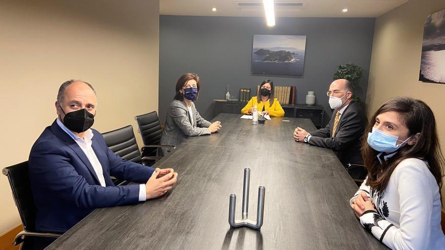 Zona Franca, Xunta y Puerto firman con BETA Implants la concesión de una parcela de 2.500 metros en la Plisan