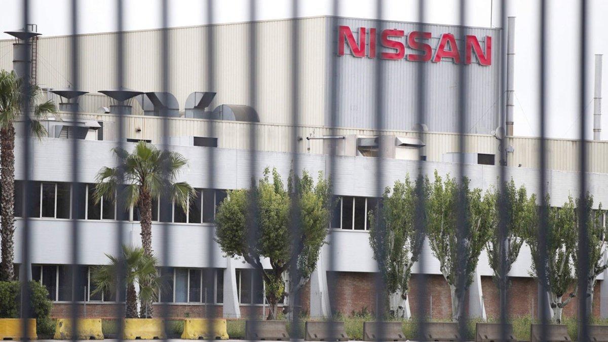 Nissan cierra sus fábricas en España