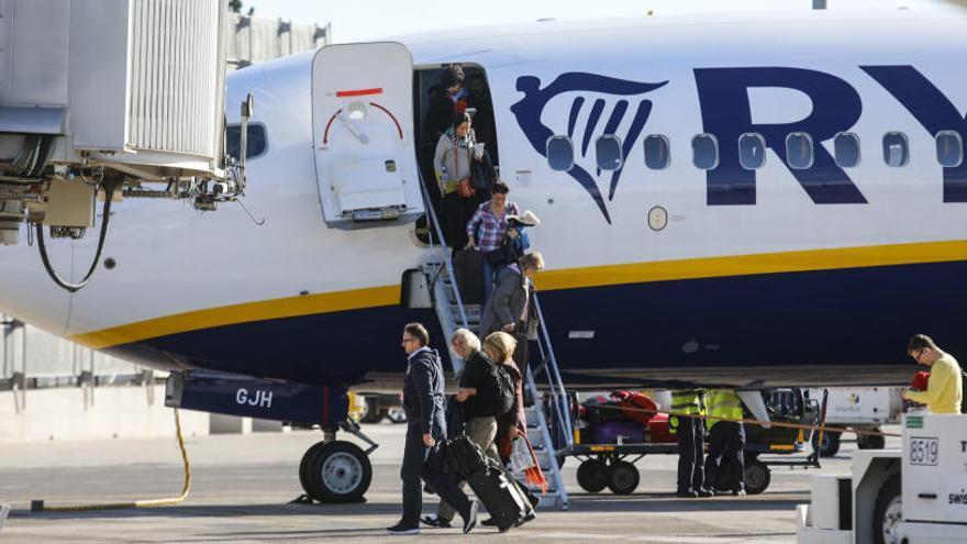 Los sindicatos desconvocan las huelgas de Ryanair