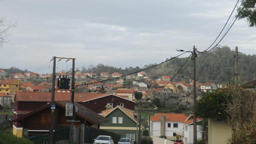 Un apagón en Aldán dejó sin luz a cerca de un millar de casas durante 7 horas