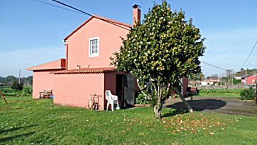 150.000 € Venta de casa en Abegondo 180 m2, 4 habitaciones, 1 baño, 833 €/m2...