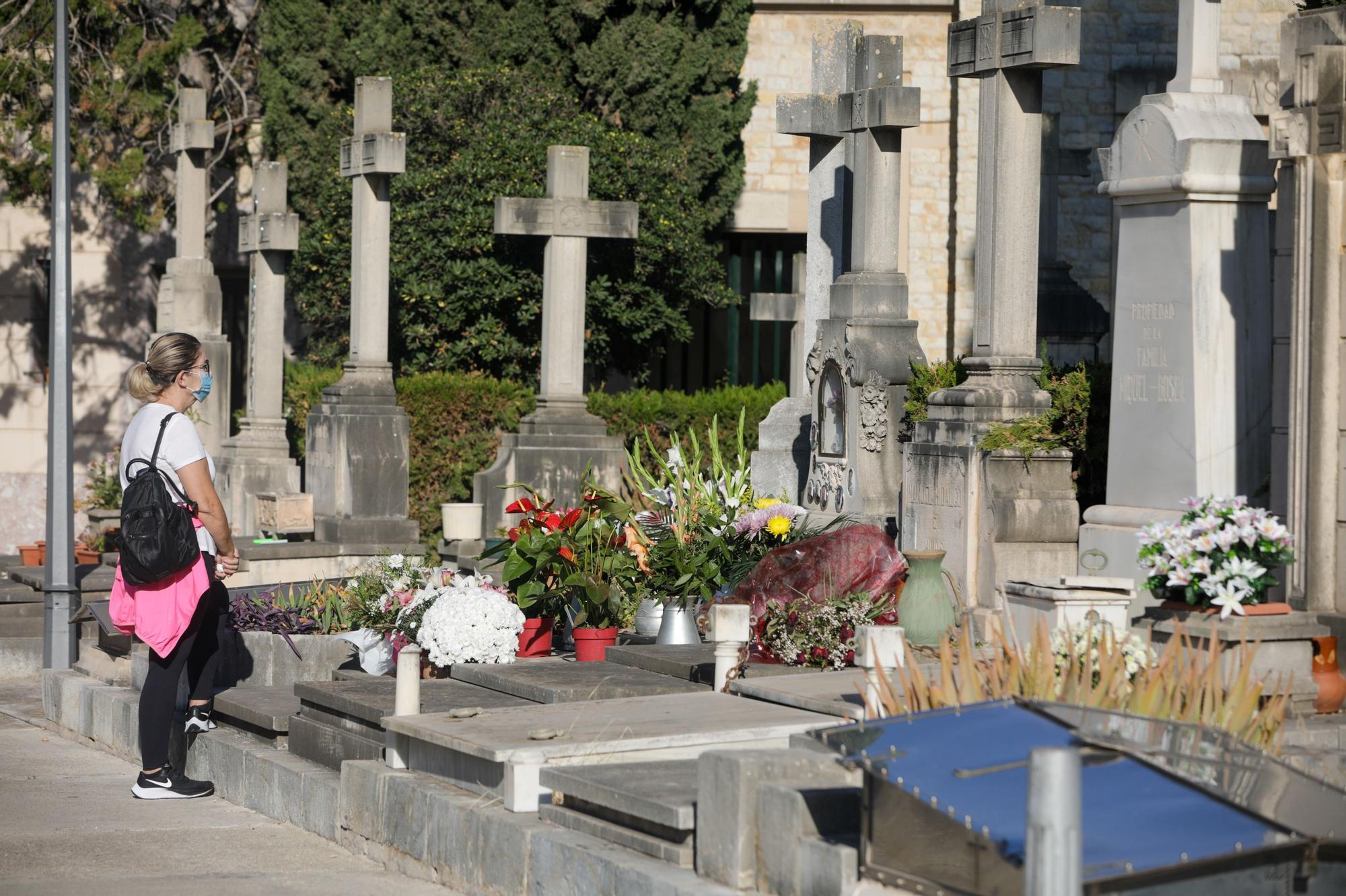 Tots Sants en el cementerio de Palma.