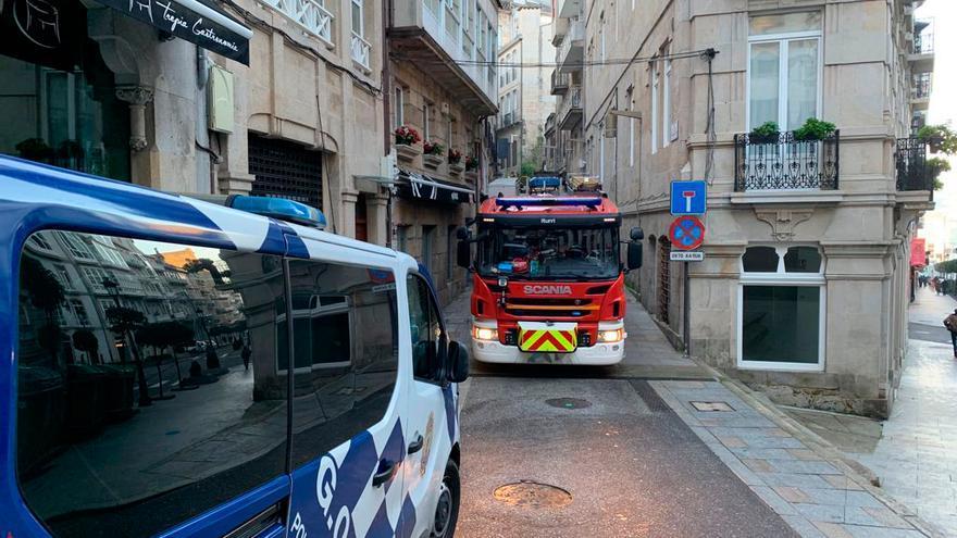 El incendio de una tele moviliza a los bomberos de Vigo