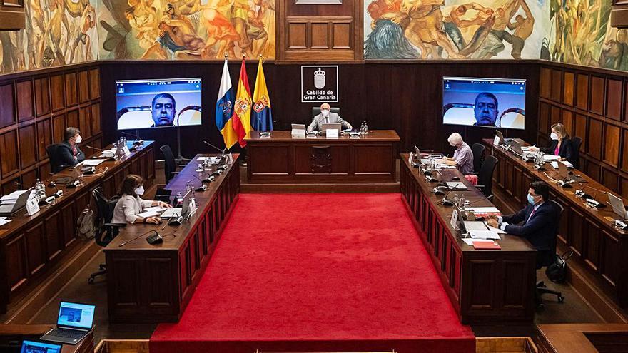 Antonio Morales deja fuera a la oposición de la Mesa de Contratación