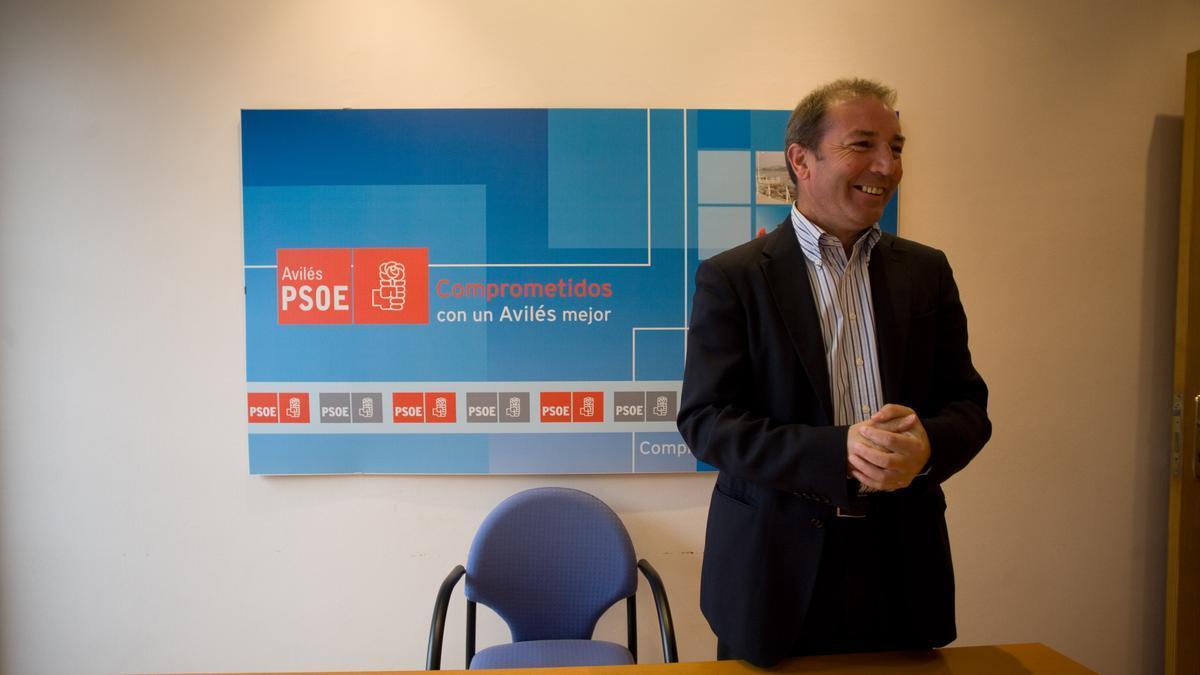 Álvaro Álvarez, en la sede del PSOE de Avilés, en una imagen de archivo.