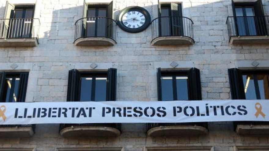 La Junta Electoral dona 48 hores a Girona i Salt per retirar pancartes