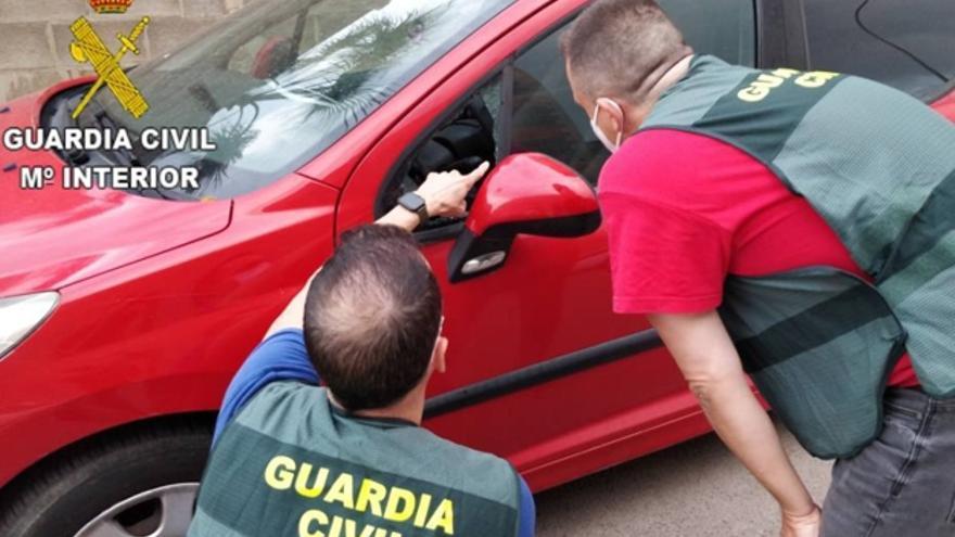 La Guardia Civil pone fin a una trama de carreras ilegales de coches en Chelva