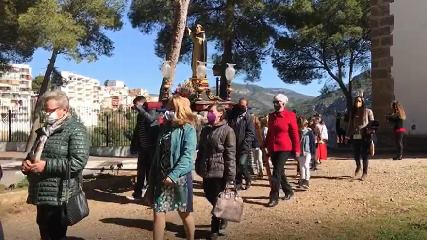 VÍDEO | Llucena sale a la calle para rendir honores a San Vicente Ferrer