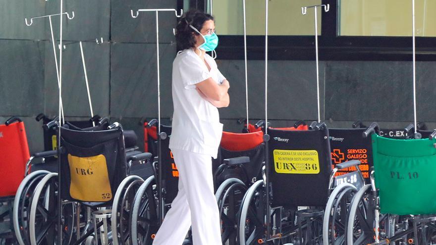 Urgencias de Vigo bate su récord de pacientes en plena explosión de la ola juvenil