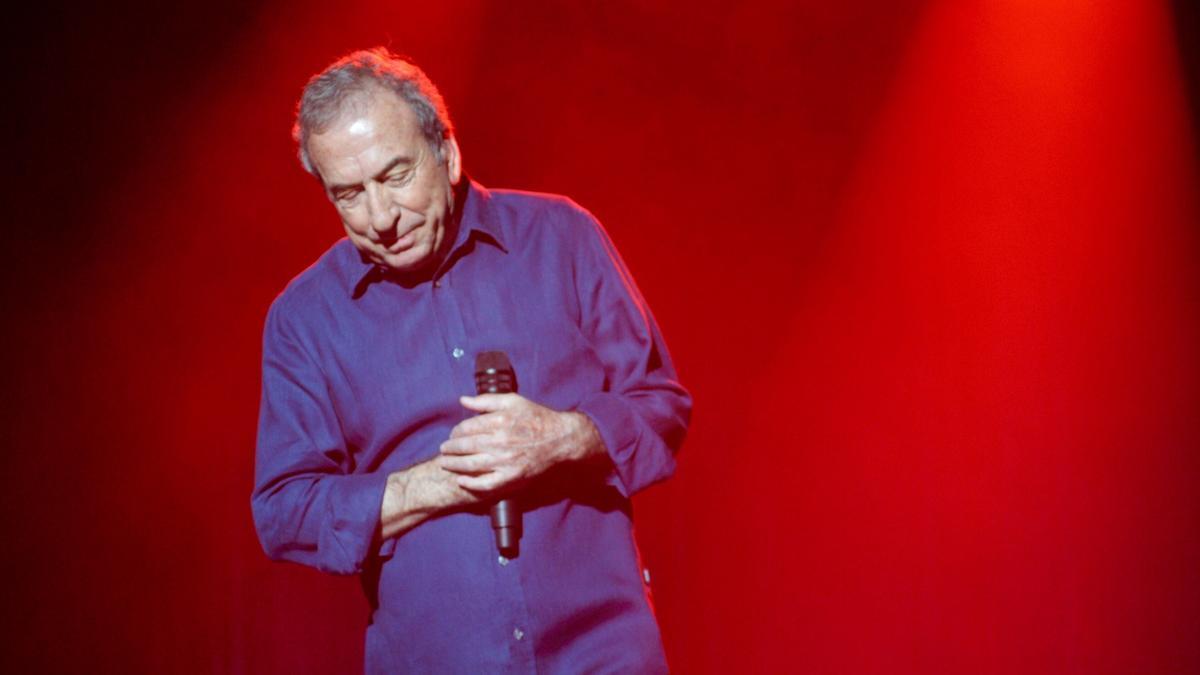 Concierto de José Luis Perales en el Palacio de la Ópera en 2016.