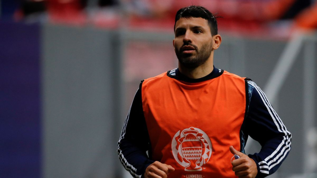 Agüero, in a file image with the Argentine national team.