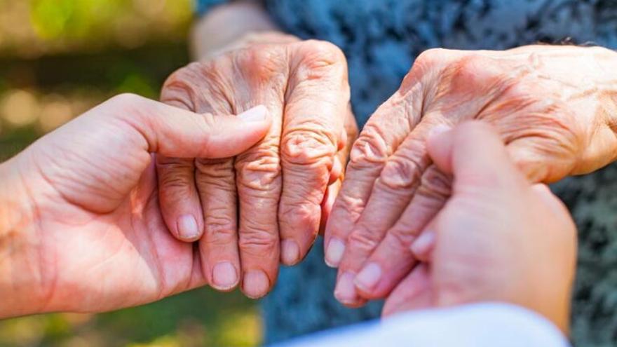 Día Mundial del Parkinson: el 15% de los nuevos casos que se diagnostican cada año corresponden a personas menores de 50 años