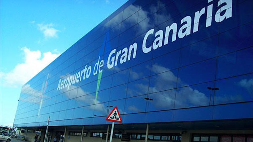 Intervienen a un matrimonio extranjero 280.000 euros en el aeropuerto grancanario