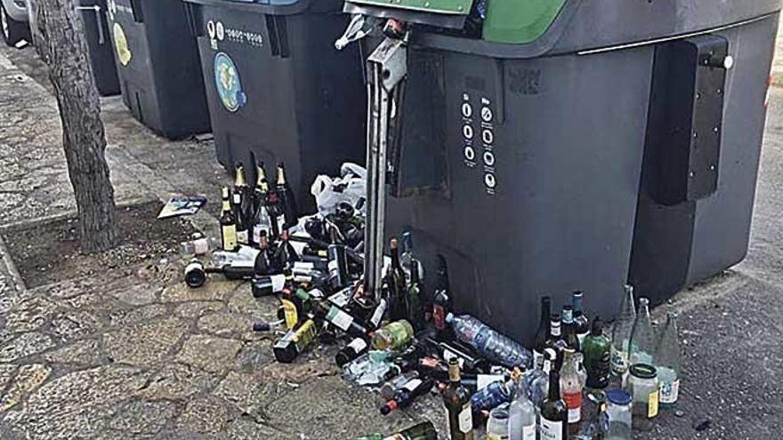Recogidas dos toneladas de residuos generados en Nochevieja