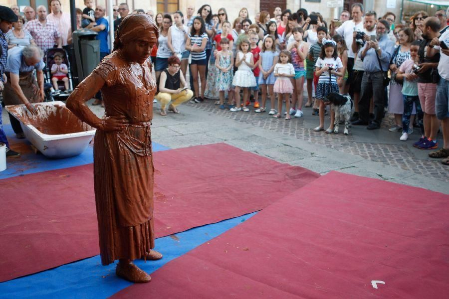 Performance en la Feria de la Cerámica