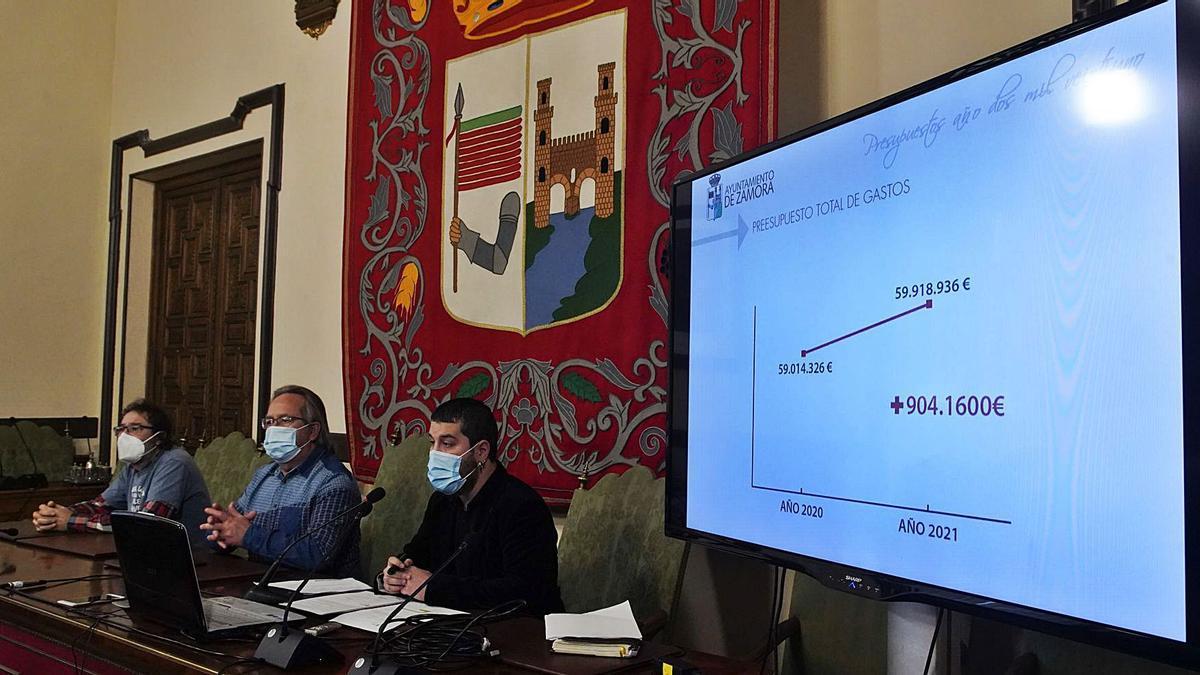 Miguel Ángel Viñas, Francisco Guarido y Diego Bernardo en la presentación del Presupuesto, a finales del pasado año. | Jose Luis Fernández