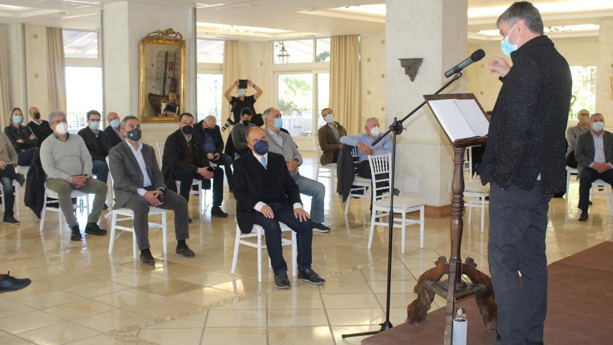 El catedrático Xavier Molina, durante su intervención.
