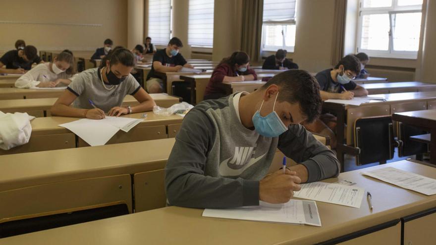 La selectividad extraordinaria convoca esta semana a 1.500 estudiantes gallegos
