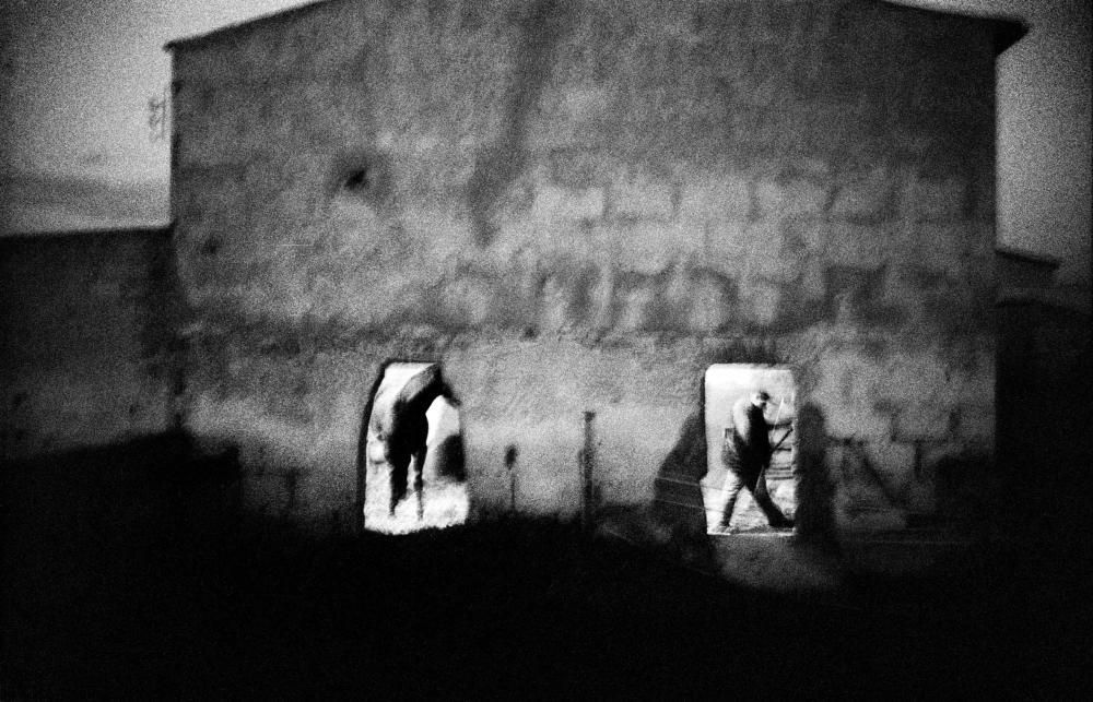 El fotógrafo Tomeu Coll lleva las 'Malas tierras' de Mallorca a Roma y Berlín