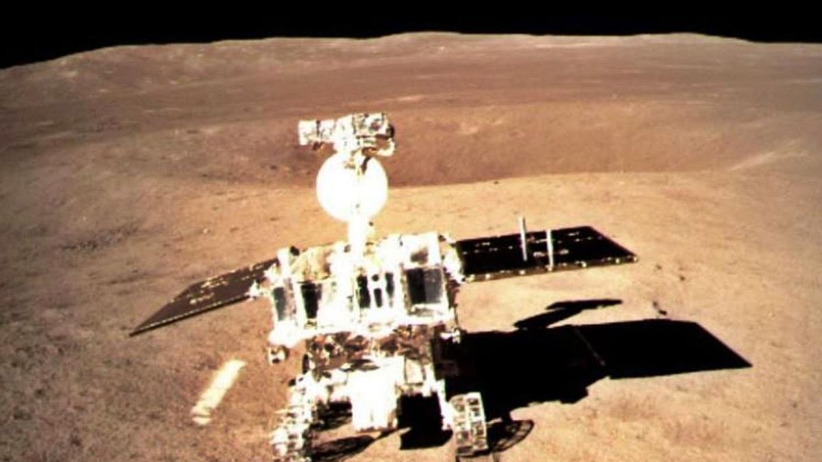 El 'rover' chino en la cara oculta lunar recorre medio kilómetro