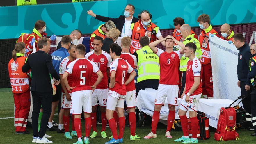 El jugador danés Eriksen se desploma en mitad del Dinamarca-Finlandia