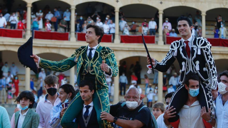 La torería de Aguado se impone al poder de Roca Rey en Ronda