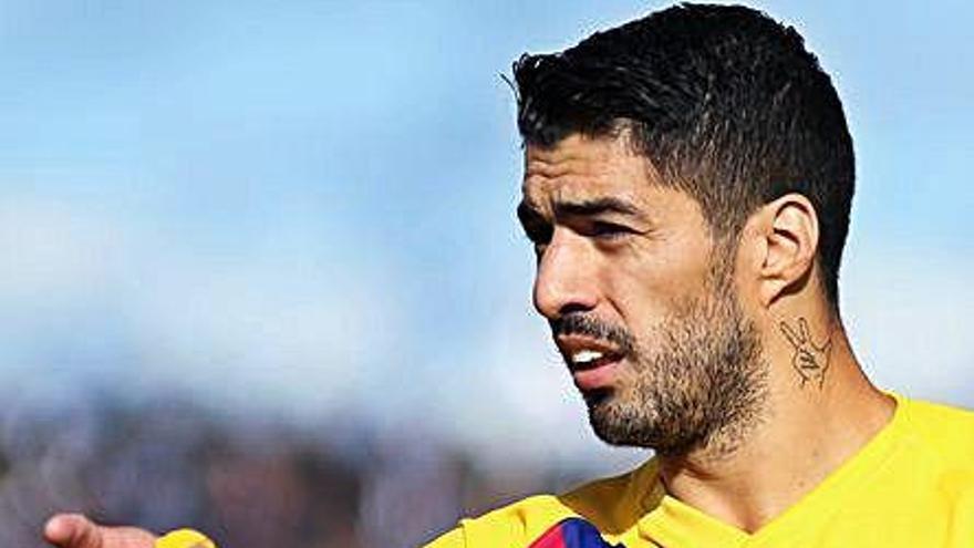 Koeman comunica a Suárez, Rakitic y Arturo Vidal que no cuenta con ellos
