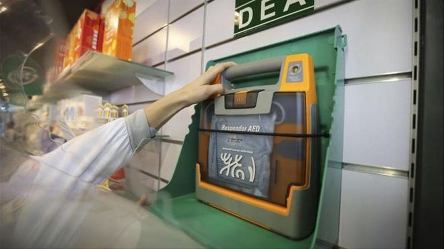 La Diputación de Badajoz licita el mantenimiento de desfibriladores
