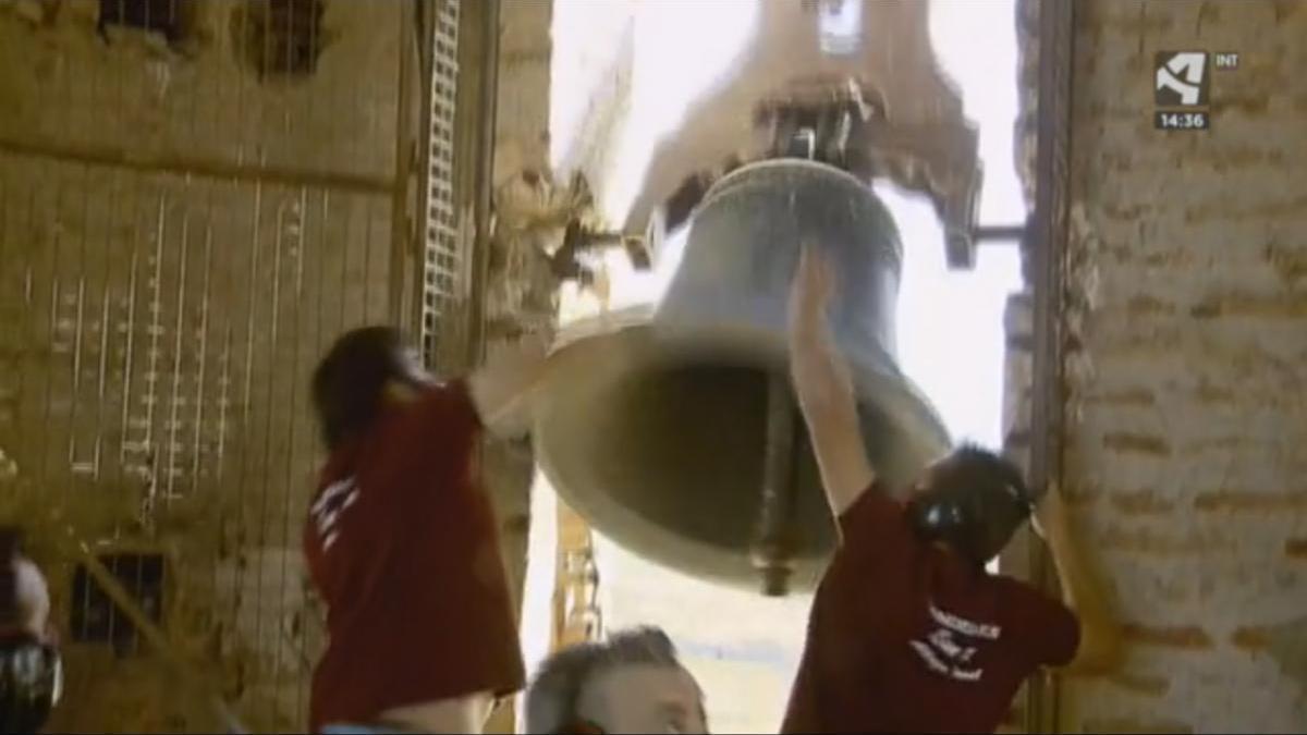 Bandeo de campanas y jotas en Alloza en honor a Carbonell